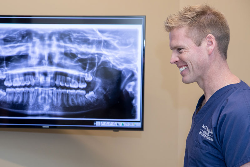 dr-pickup-discussing-impacted-teeth-extraction
